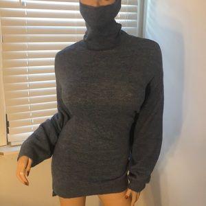 H&M Sweater NWOT; Size: Med